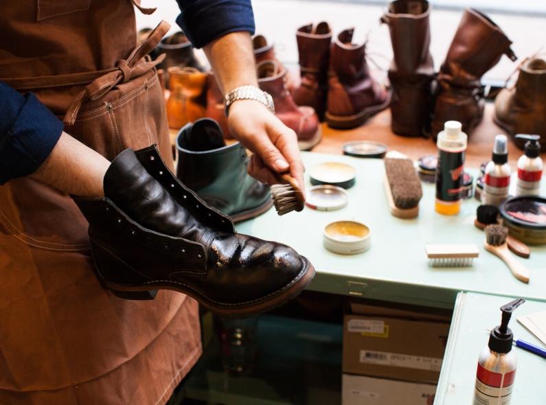 5e513ff82045 Мастерская по ремонту обуви и сумок на Невском проспекте - купить этот  бизнес в СПб